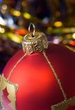 Rote Kugel von Weihnachten Stockbilder