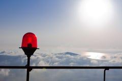 Rote Laterne im Himmel Lizenzfreie Stockfotos