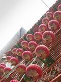 Rote Laternen in Chinatown lizenzfreie stockfotos