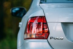 Rote LED-Rücklichter von Gray Color VW Volkswagen Polo Vento Sedan stockbild