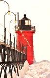 Rote Leuchtturm-und Eisen-Lichter Stockbilder