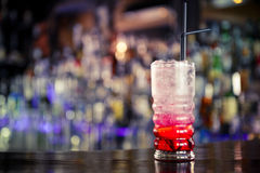 Rote Limonade auf der Stange Stockfoto
