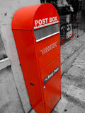 Rote Mailbox Lizenzfreie Stockfotografie
