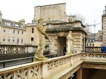 Rote Nasenstatuen bei Roman Bath, Bad Stockfoto