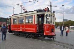 Rote nostalgische Tram Stockfotos
