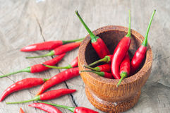 Rote Paprikas für thailändisches Lebensmittel auf hölzernem tacble Lizenzfreies Stockbild
