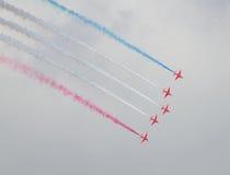 Rote Pfeil-Royal Air Force-Flugschau über Tallinn-Bucht bei 23 06 2014 Lizenzfreie Stockfotos