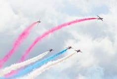 Rote Pfeil-Royal Air Force-Flugschau über Tallinn-Bucht bei 23 06 2014 Lizenzfreies Stockfoto
