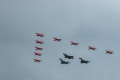 Rote Pfeile, Eurofighter Typhoon und F-35 Blitz 2 Lizenzfreie Stockbilder