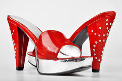 Rote Plattform-Fersen lizenzfreies stockbild