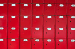 Rote Postkästen Stockfotografie