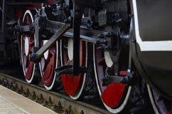 Rote Räder des Dampfzugs Lizenzfreie Stockfotografie