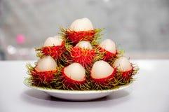 Rote Rambutanfrucht Lizenzfreie Stockbilder
