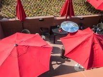 Rote Regenschirme Lizenzfreies Stockfoto
