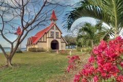 Rote roofed Kirche in Mauritius stockbilder
