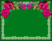 Rote Rosen des Hintergrundes auf einem grünen Hintergrund mit Beleuchtung und einer Verzierung Stockbild