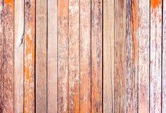 Rote rustikale woodden Brett mit Knoten und Nagellöchern, Weinlese-BAC Stockfotografie