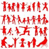 Rote Schattenbilder der Völker getrennt auf Weiß Lizenzfreies Stockfoto