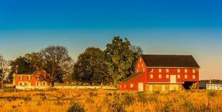 Rote Scheune und Haus in Gettysburg, Pennsylvania Stockfotografie