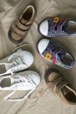Rote Schuhe des Kindes Lizenzfreies Stockbild