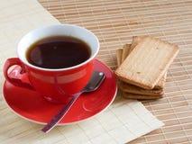 Rote Schutzkappe des Tees Lizenzfreies Stockfoto