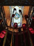 Rote sich hin- und herbewegende Masken lizenzfreies stockbild