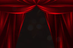 Rote silk Theatertrennvorhänge Stockbild