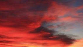 Rote Sonnenunterganghimmelwolken-Zeitspanne stock video footage
