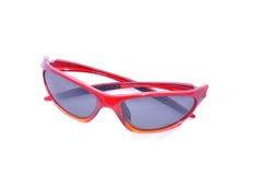 Rote Sportsonnenbrillen, polarisiert, getrennt Stockfotos