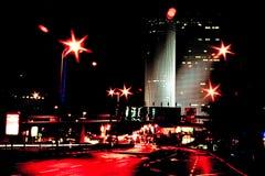 Rote Stadtleuchte Stockfotografie