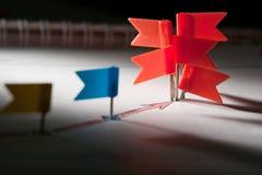 Rote Stifte von skizziertem rotem Pfeil Lizenzfreies Stockfoto