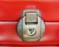 Rote suitecase Verriegelung Stockfotografie