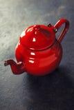 Rote Teekanne Stockfotografie