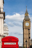 Rote Telefonzelle und Big Ben lizenzfreie stockbilder