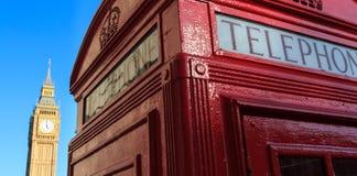 Rote Telefonzelle und Big Ben Lizenzfreie Stockfotos