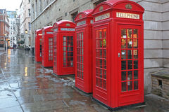 Rote Telefonzellen Stockbild