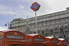 Rote Telefonzellen, London Stockbilder
