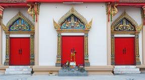 3 rote Tempeltüren Stockfotos