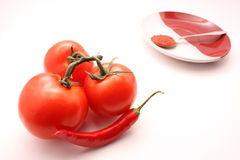 Rote Tomate und peper mit Ketschup Stockfotos