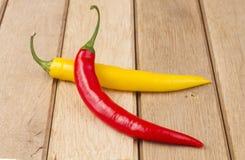 Rote und gelbe Paprikapfeffer Lizenzfreie Stockbilder