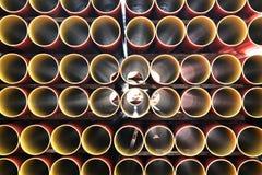 Rote und gelbe Wasserrohre Lizenzfreies Stockbild