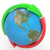 Rote und grüne Pfeile um Erdekugel. Schleife. Stockfoto