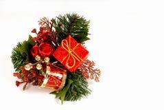 Rote und grüne Weihnachtsverzierung Lizenzfreies Stockfoto