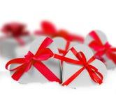 Rote und rosa Töne auf einem Türkis rau, grungy Hintergrund Lizenzfreies Stockbild
