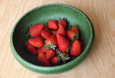 Rote und saftige Erdbeeren Stockfotos