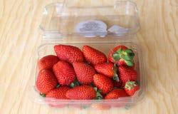 Rote und saftige Erdbeeren Lizenzfreie Stockbilder