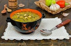 Rote und schwarze Linsen der Suppe, Kichererbsen Lizenzfreie Stockfotos