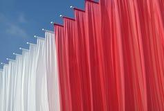 Rote und weiße Fahnen Lizenzfreies Stockfoto