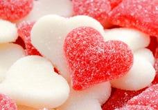 Rote und weiße Herzen für Valentinstag Lizenzfreie Stockbilder