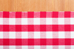 Rote und weiße Tischdecke Lizenzfreies Stockfoto